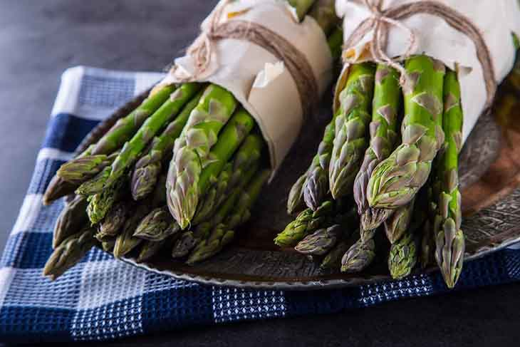 What Does Asparagus Taste Like?